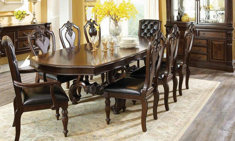 Picture of Churchill Dining Set