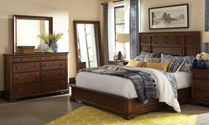Picture of Trisha Yearwood Katie Queen Mansion Bedroom