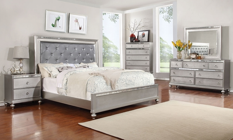 Charmant Marilyn Glam Upholstered Queen Bedroom