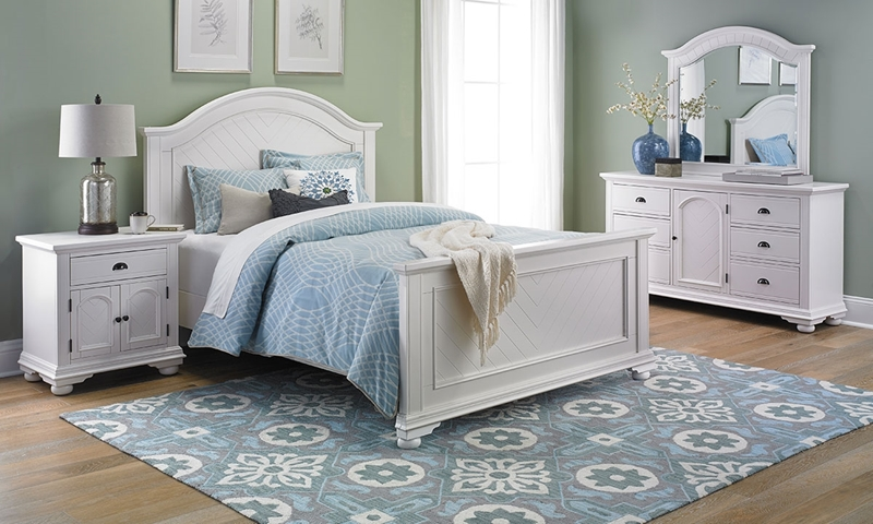 Brookside Coastal Cottage Queen Bedroom