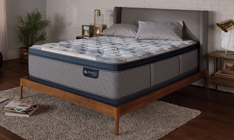 "Serta iComfort® Blue Fusion 300 Hybrid 14"" King Mattress"