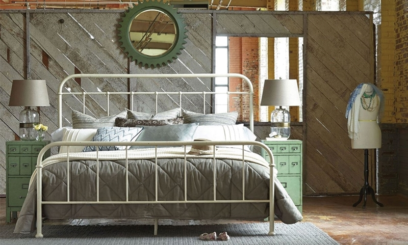 A.R.T. Williamsburg Metal Queen Bed