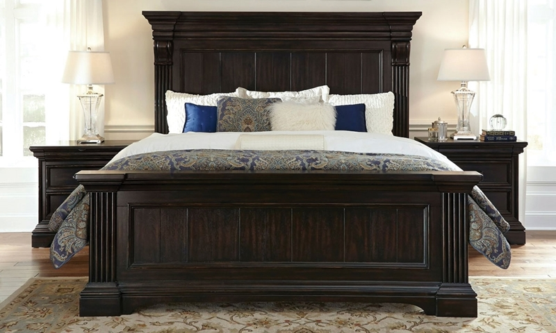 Blackwell Traditional King Mansion Bed