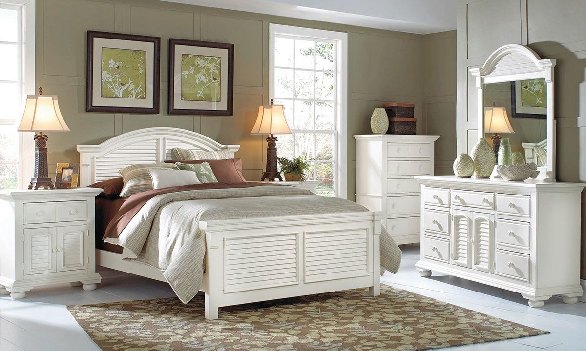 Cottage Traditions Panel Bedroom Sets