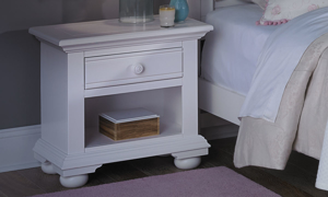 Cottage Traditions White Youth 1-Drawer Nightstand