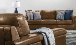 Contemporary leather sofa from Spagnessi.